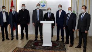 KARAMUSTAFA, ÖZTÜRK'Ü MAKAMINDA ZİYARET ETTİ