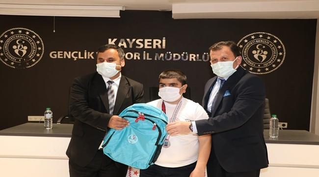 KAYSERİ'YE 13 MADALYA İLE DÖNEN SPORCULAR ÖDÜLLENDİRİLDİ